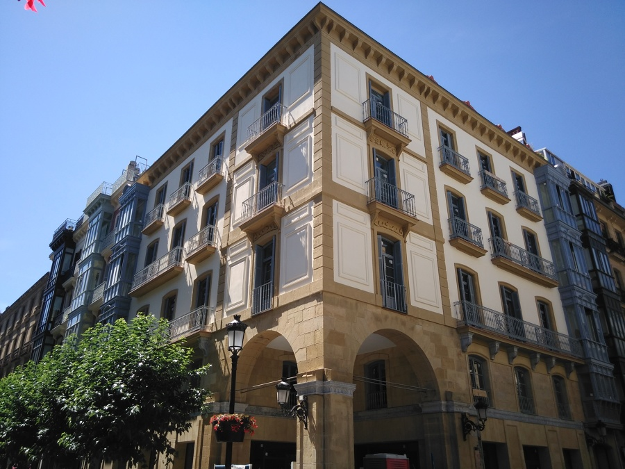 Restauración en C/Elcano 10, Donostia
