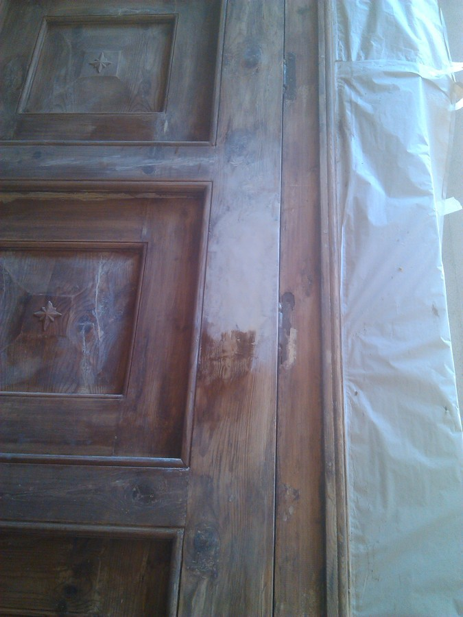 Restauraci n de la puerta principal de la iglesia ideas for Restauracion tejados de madera