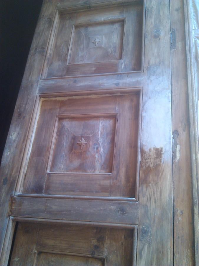 Restauración puerta de madera 2