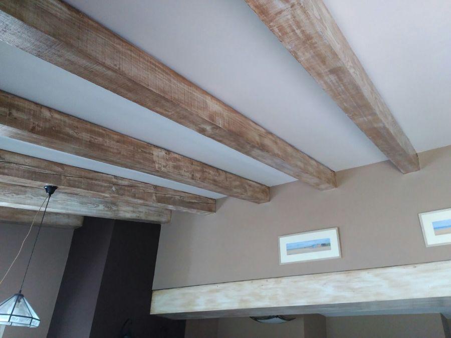 Restauración y decapado en madera de interiores