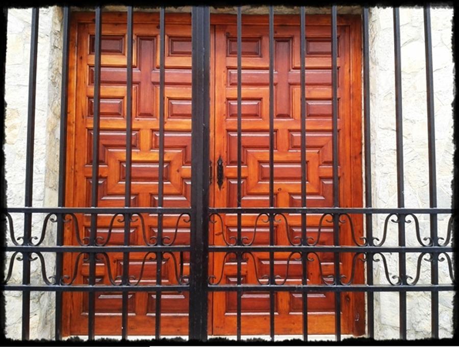 Restaurado de puertas.