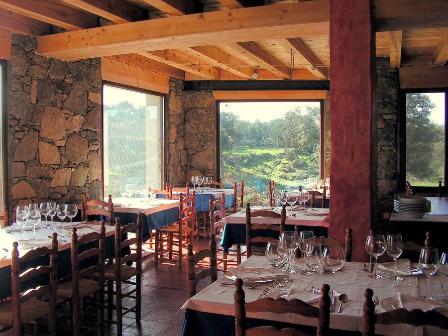 restaurante en piedra maciza