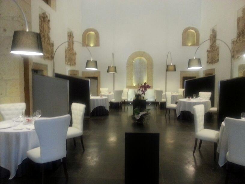 Restaurante villena en segovia antigua iglesia del - Restaurante villena segovia ...