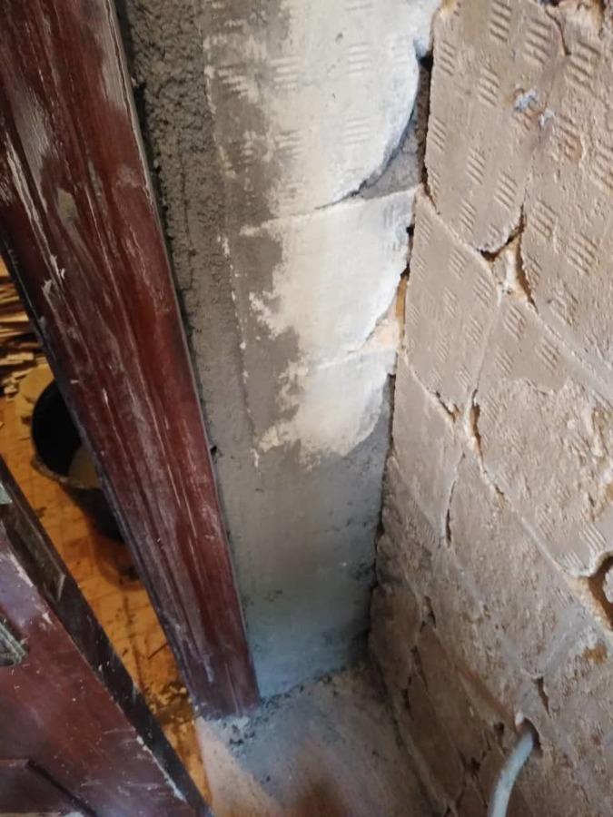 Retirada de alicatado y resane de paredes