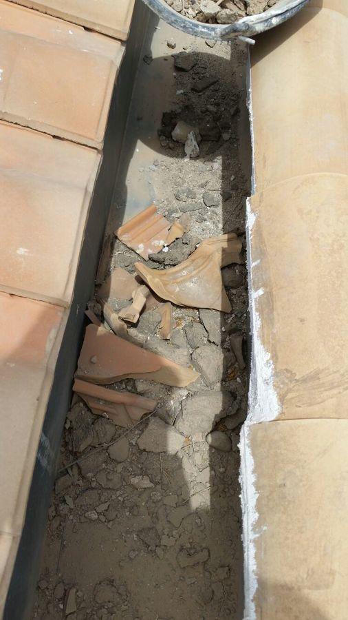Retirada de materiales desprendidos del tejado