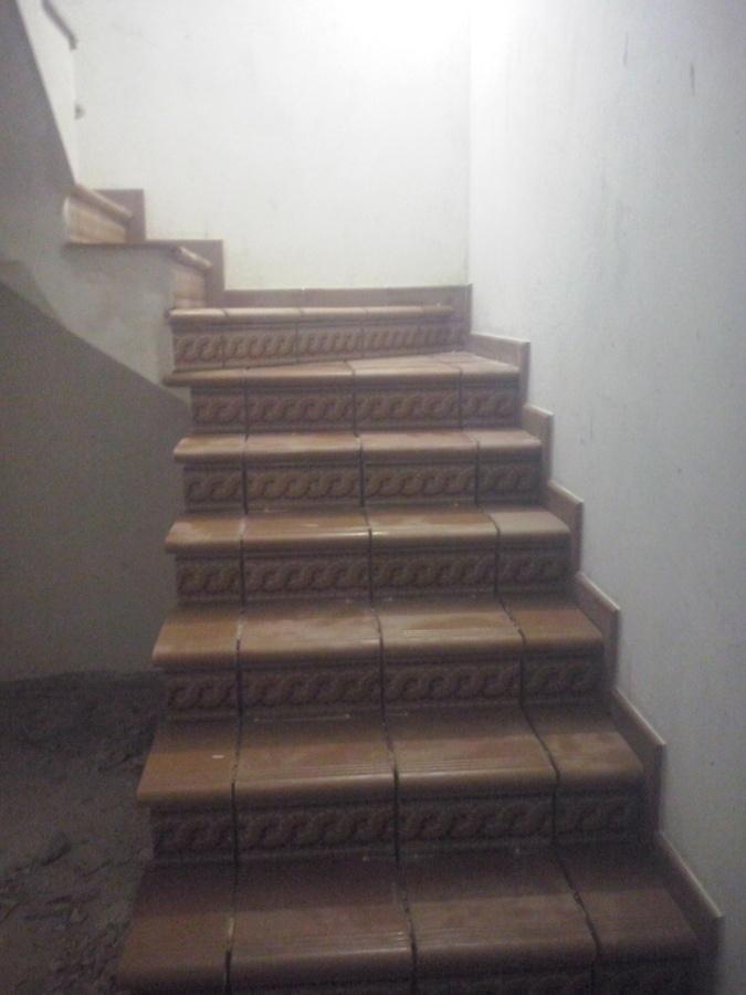 Foto revestimiento de escalera de disame decoracion y reformas 998144 habitissimo - Revestimiento para escaleras ...