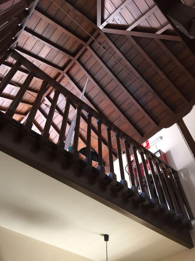 Revestimiento de techo en madera en un Carmen