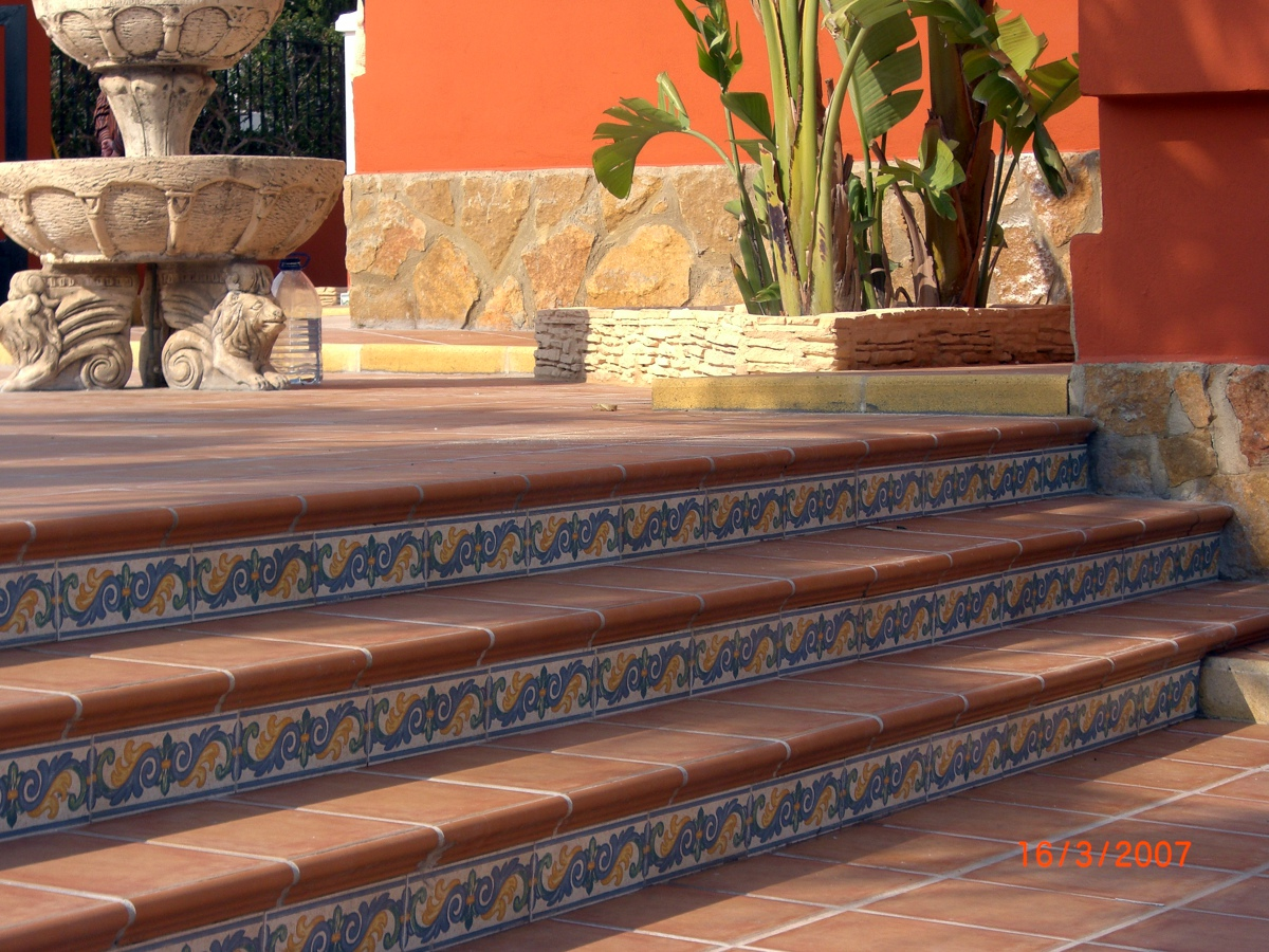 Foto revestimiento escalera jardin de construcciones for Escalera de bloque de jardin
