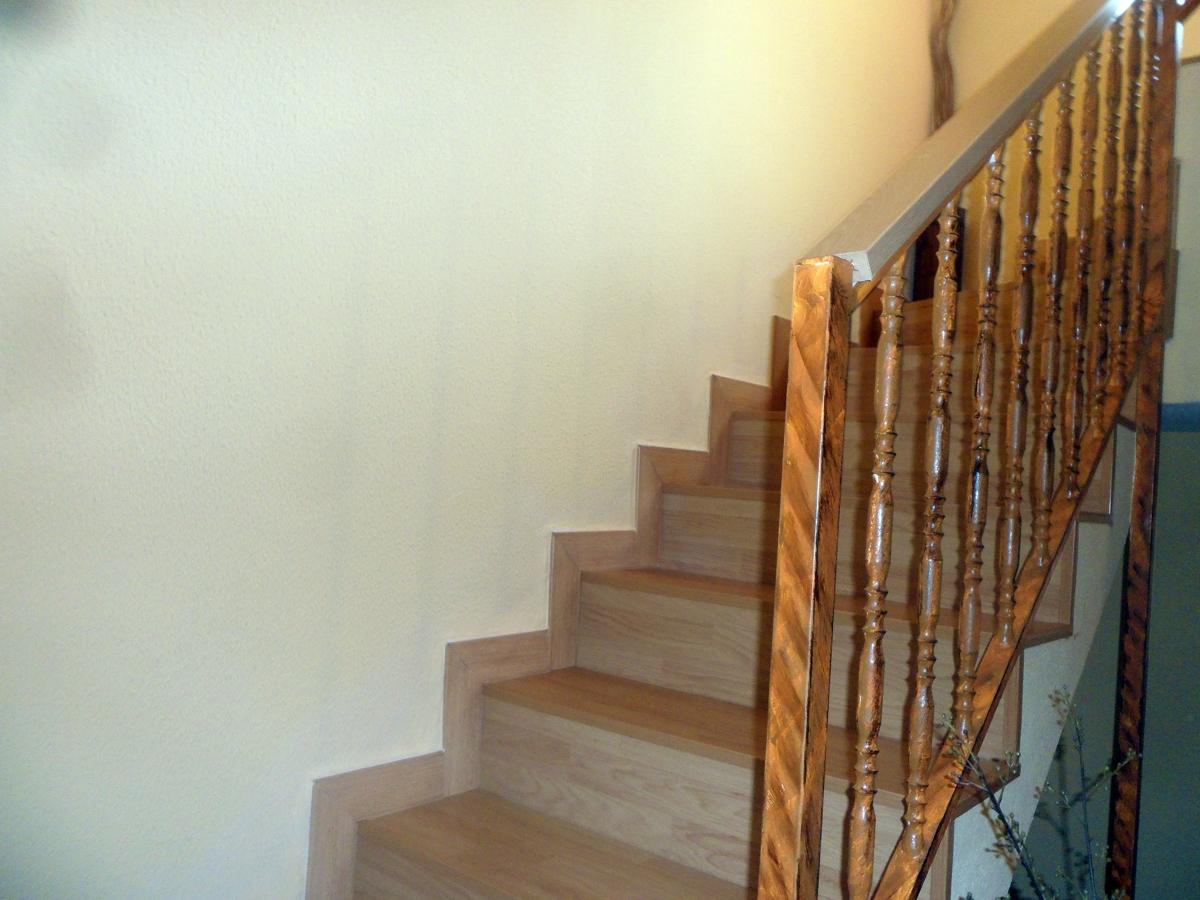 Foto revestimiento escalera de reformas jorge 261667 habitissimo - Revestimiento para escaleras ...