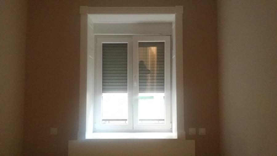 Revestimiento zona ventanas en madera