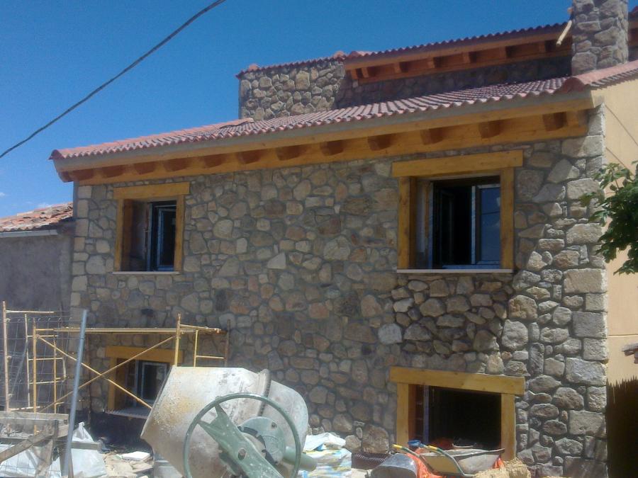 Vivienda unifamiliar pareada ideas construcci n casas - Revestimiento piedra natural ...