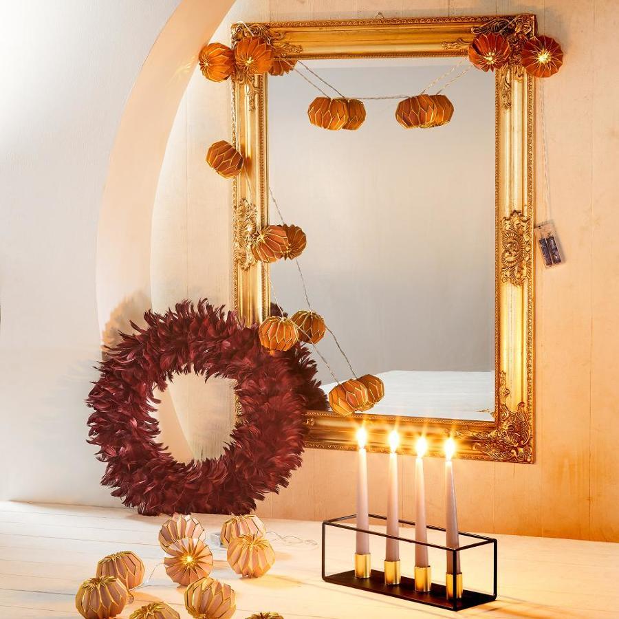 Rincón navideño en dorado