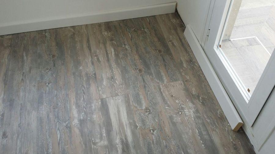 Colocar rodapie de madera top sellado de juntas en suelo - Rodapie de madera ...