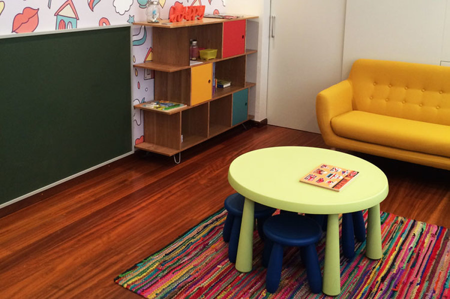 Sala de espera infantil. Zona niños.