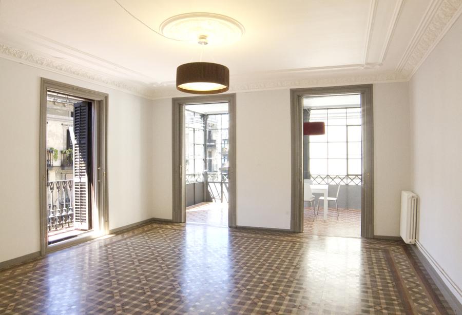 Sala de estar principal con galería