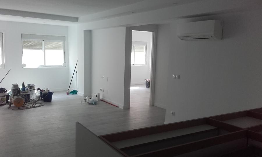 Sala en pintura
