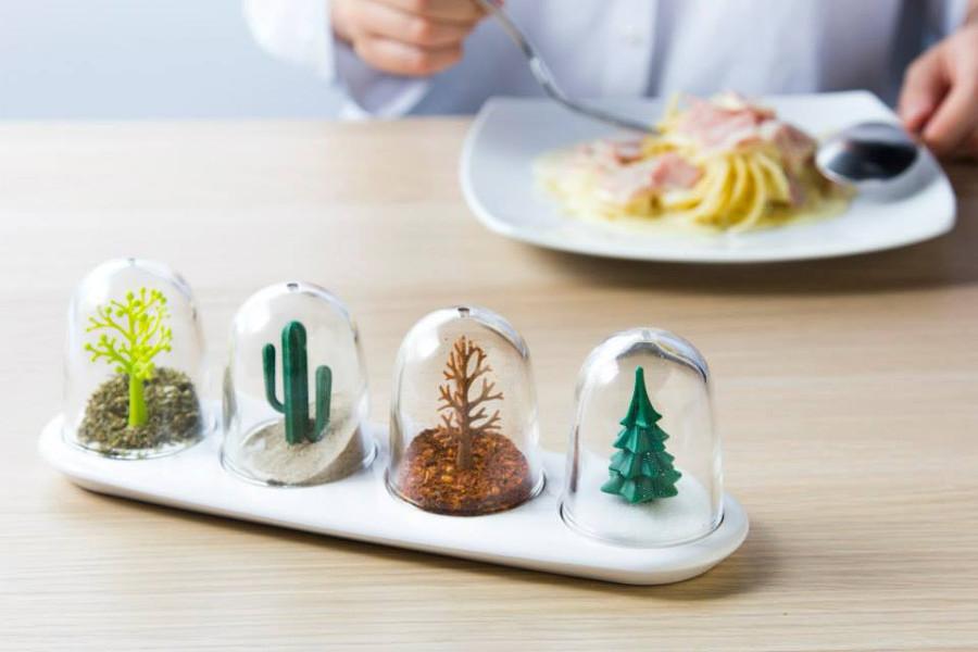 Una cocina de fantas a y diversi n utensilios originales ideas decoradores - Saleros originales ...