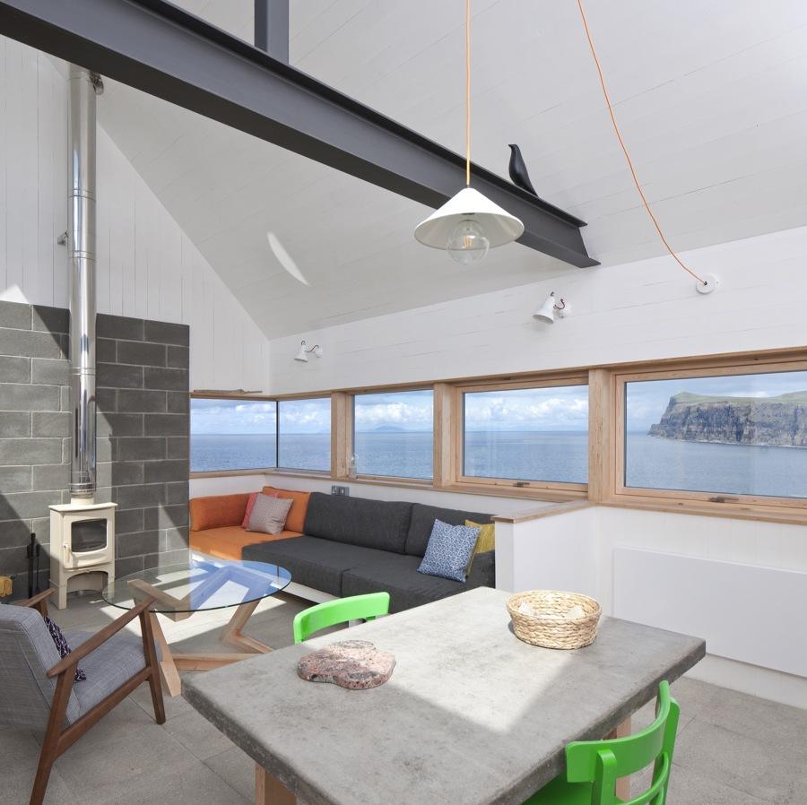salón  ventanas de madera