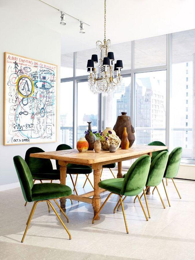 comedor con sillas verdes