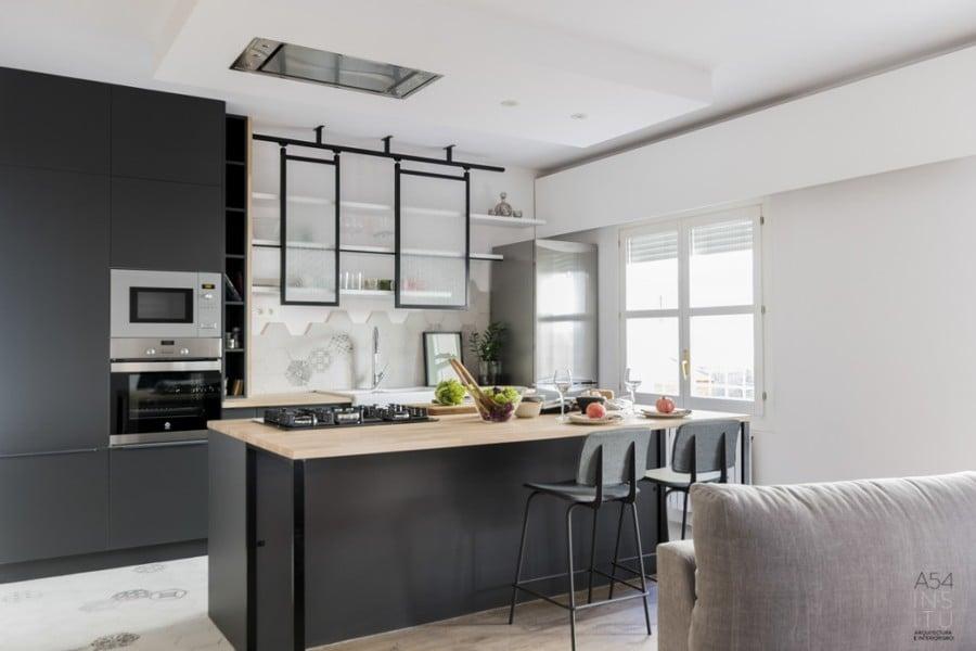 Un piso de 70 m2 con una cocina di fana ideas reformas - Cocina salon comedor integrados ...