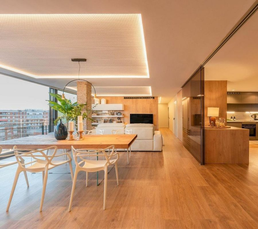 Salón comedor cocina de planta abierta