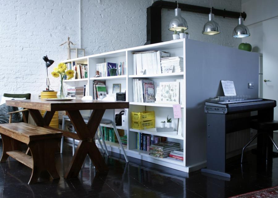 Salón comedor con mueble de obra