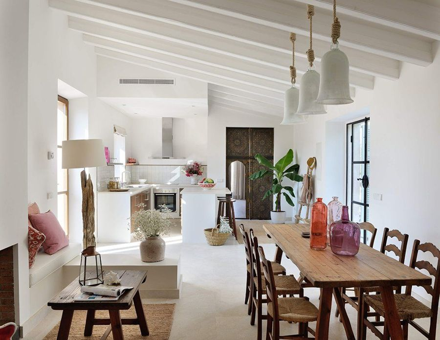Salón, comedor y cocina rústico