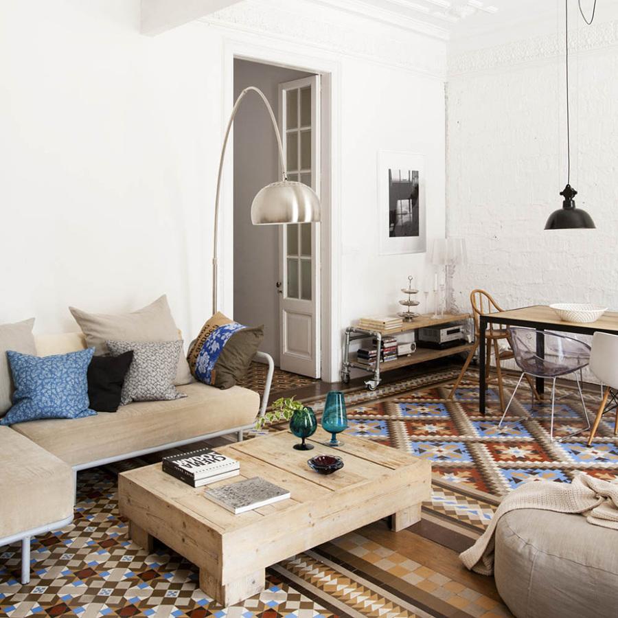 Salón con acabados modernistas