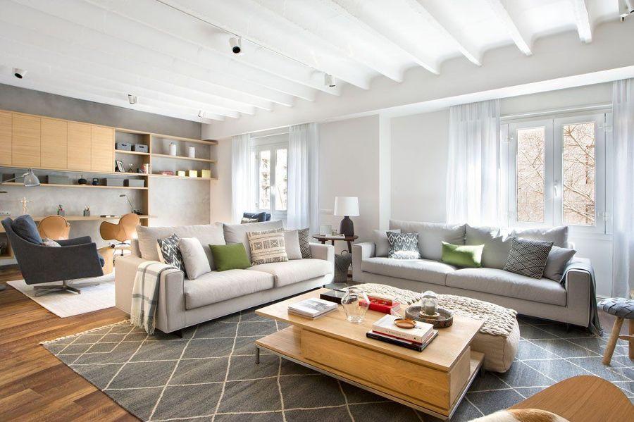 Salón con alfombra