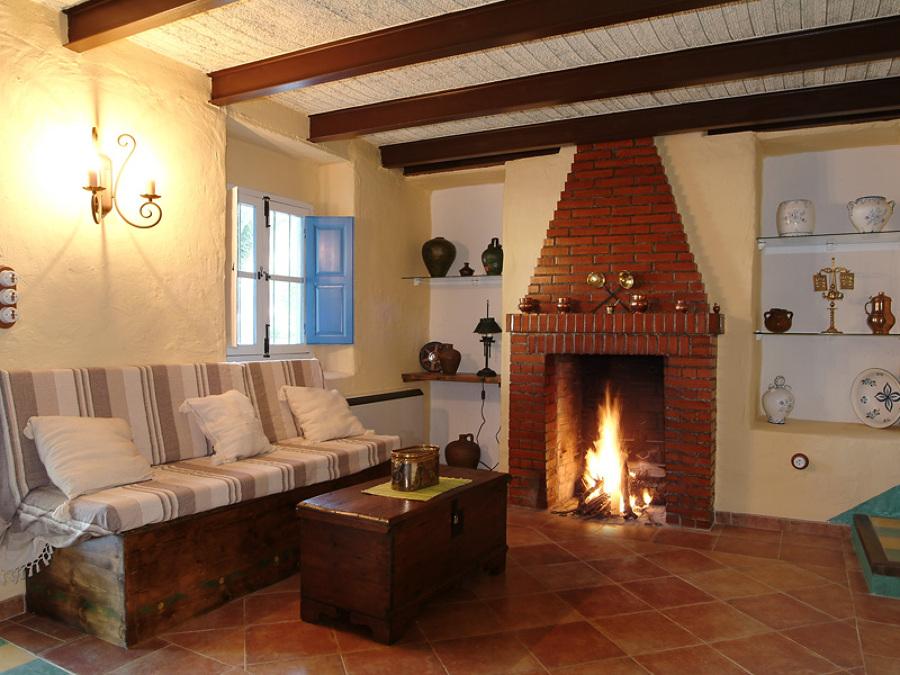 Consejos para el mantenimiento de la chimenea ideas chimeneas - Decorar un salon con chimenea ...
