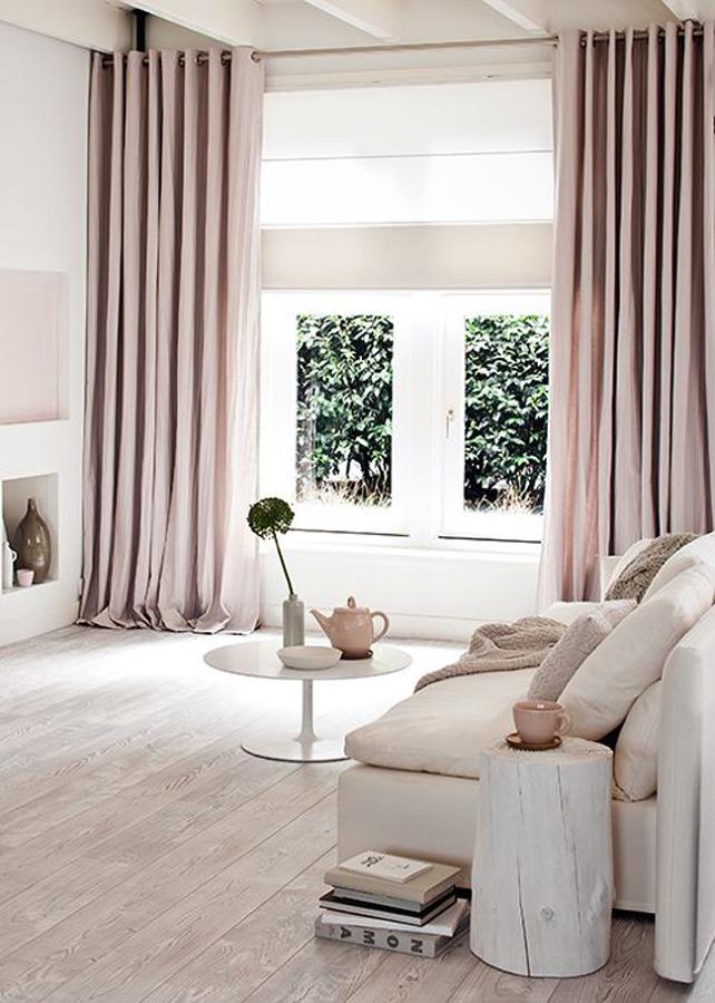 saln con cortinas rosas