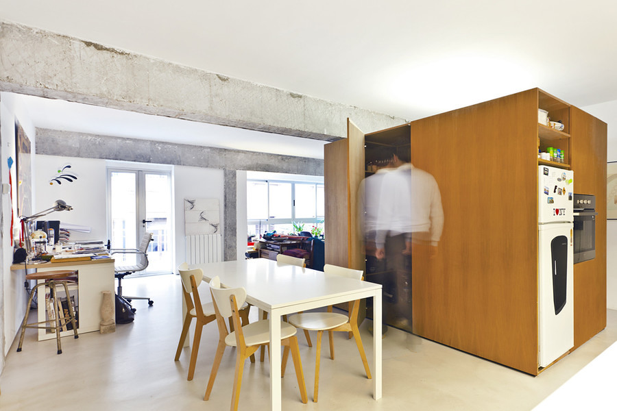 salón con estructura vista