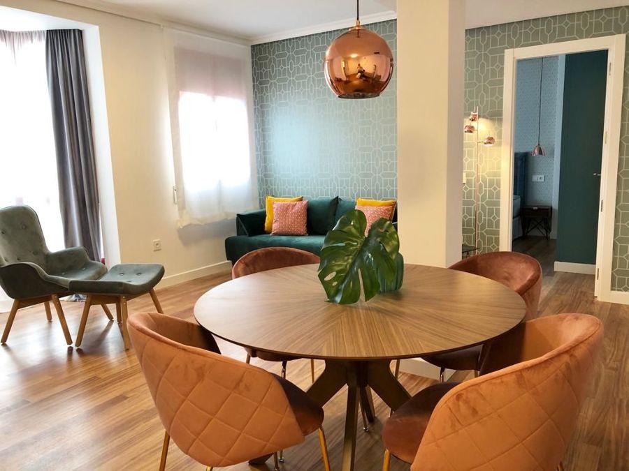 Salón con fusión de estilos decorativos