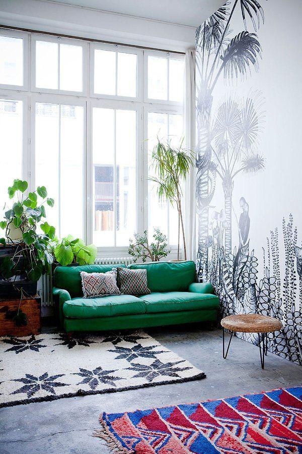 Salón con mural