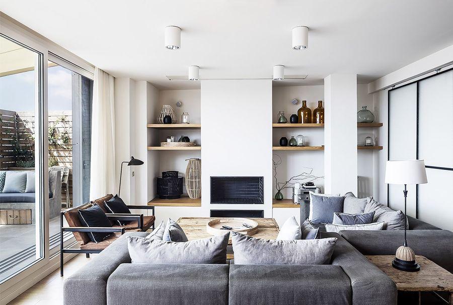 Salón con sofás en gris