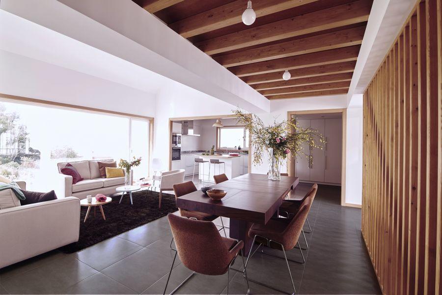 Salón con techo alto