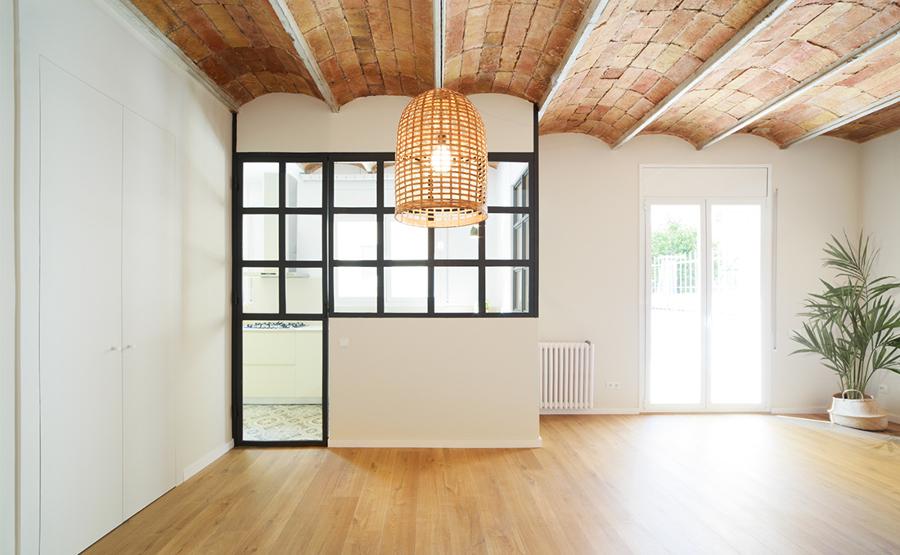 salón con techo de bovedilla