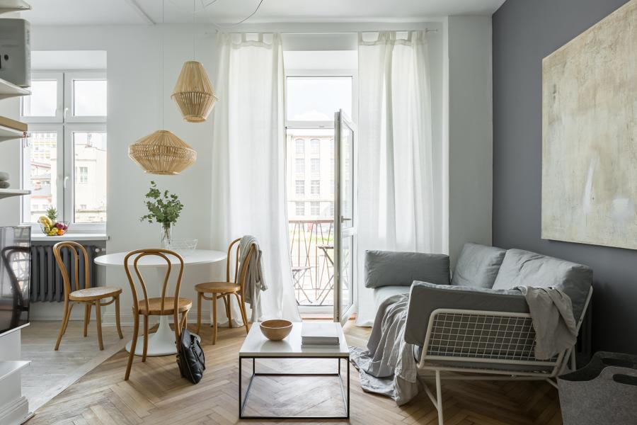 Salón con ventanas de aluminio