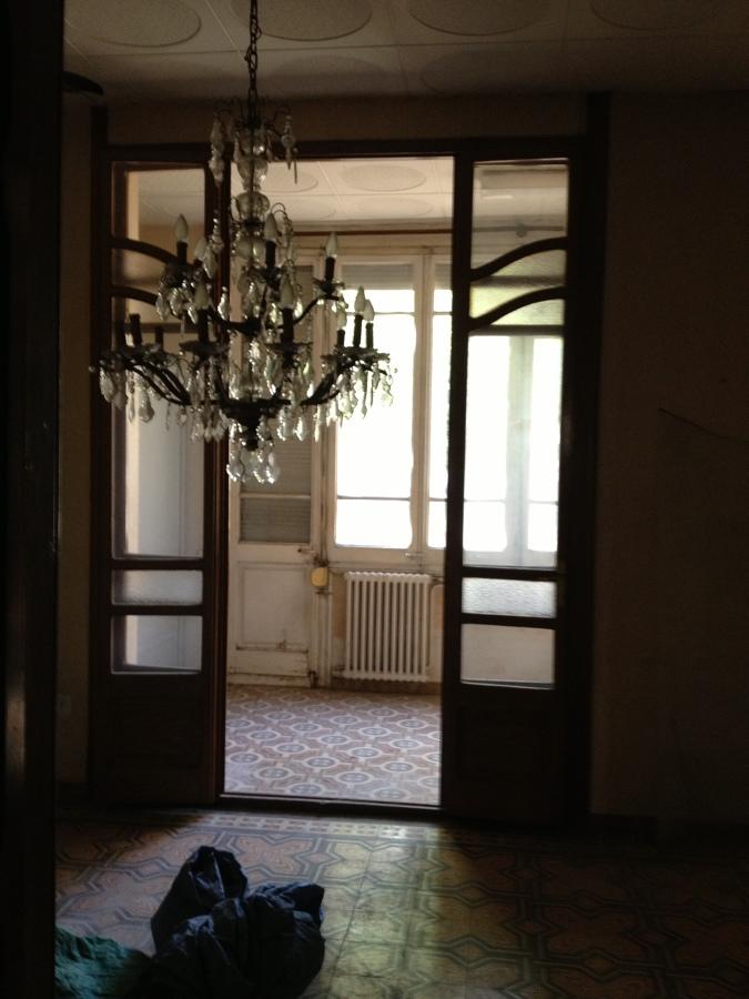 """Salón con """"vistas"""" al jardín antes de la reforma"""