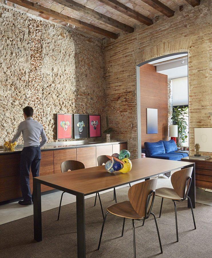 Salón de estilo rústico moderno