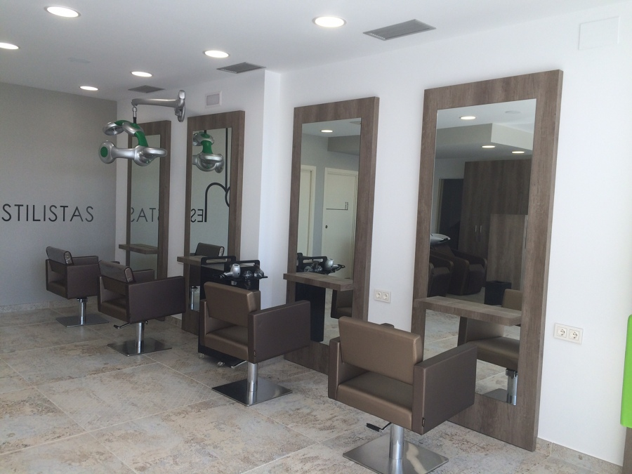 Foto sal n de peluquer a de mart n turrillas it rbide - Salones de peluqueria decoracion fotos ...