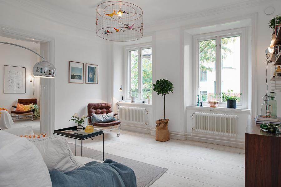 salón en blanco luminoso