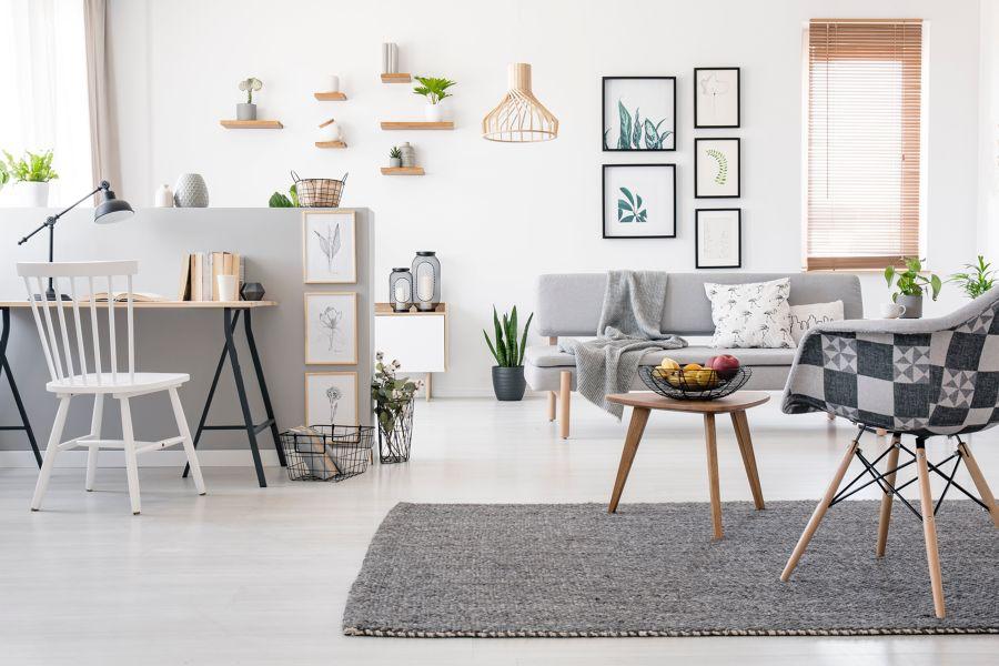 Salón estilo nórdico en gris y blanco