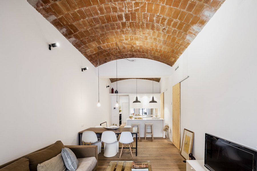 Salón pequeño con bóveda catalana