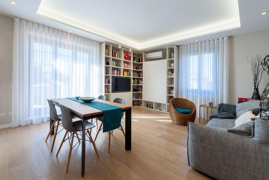 Salón pequeño con mobiliario a medida