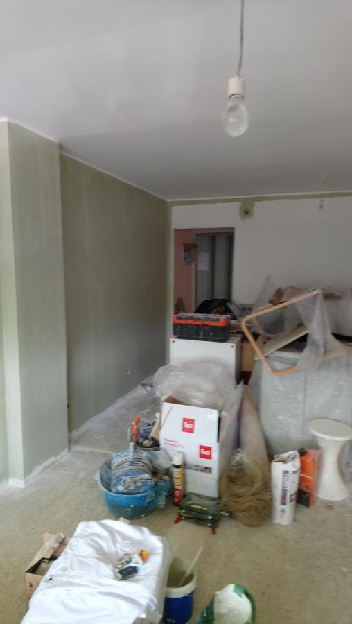 Salón primera capa de pintura