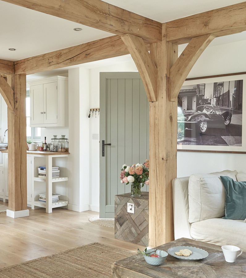 11 formas de integrar los pilares y columnas de madera for Country style project homes