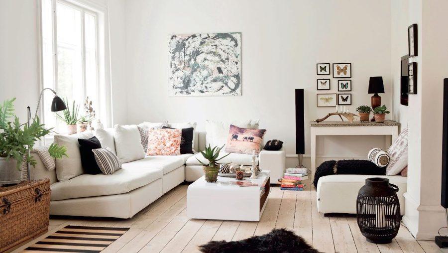 Foto sal n suelo madera paredes blancas de maribel - Suelos para salon ...