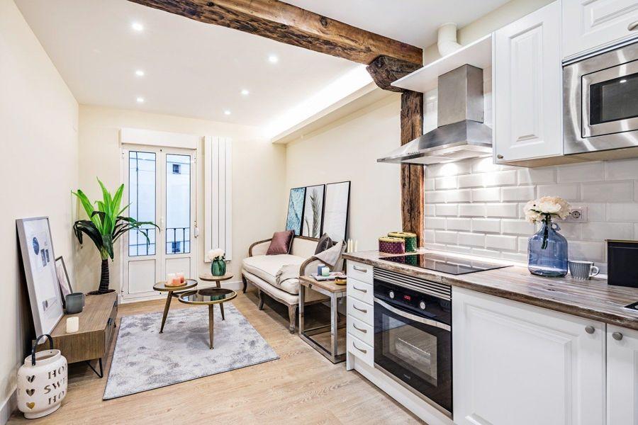 Salón y cocina clásico contemporáneo