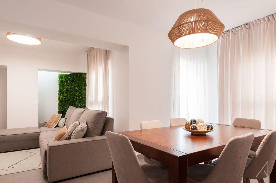 Salón y comedor con cortinas
